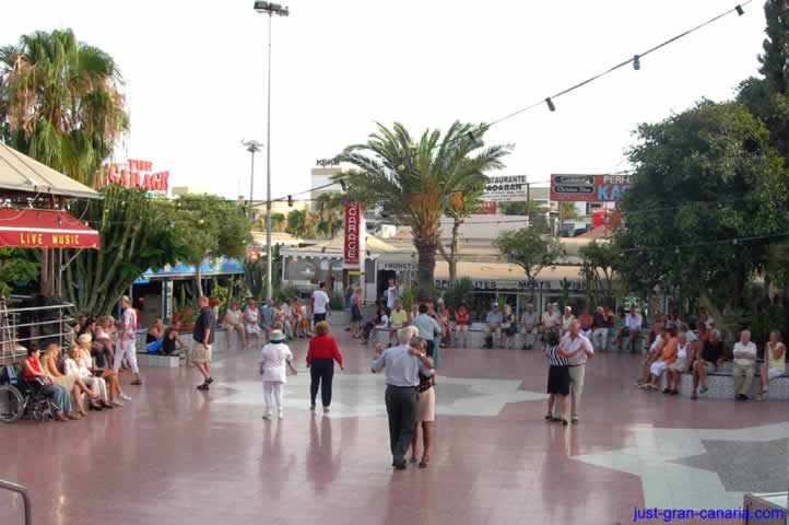 Dancing in the Kasbah Shopping Centre